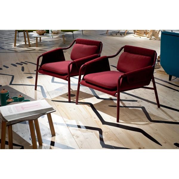 fauteuil bas vintage rembourrage boudins. Black Bedroom Furniture Sets. Home Design Ideas