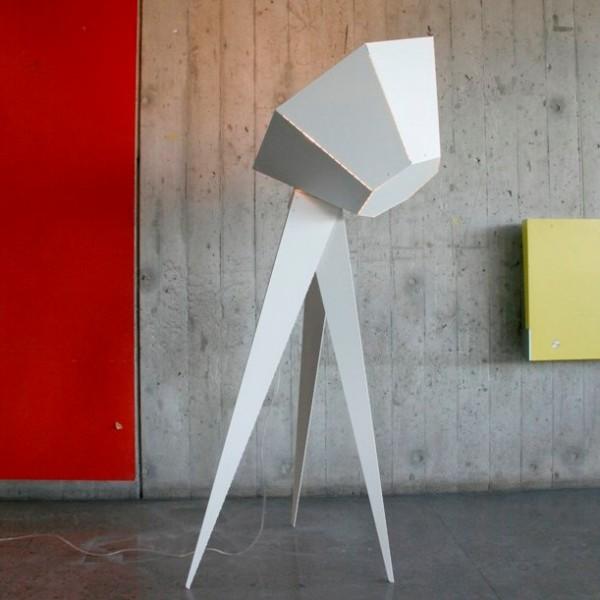 lampadaire bas style projecteur tr s design. Black Bedroom Furniture Sets. Home Design Ideas