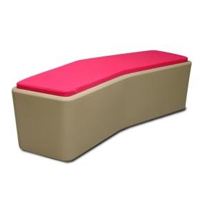Banc design structure coque en polyéthylène rotomoulé coloris sable assise revêtement lavable