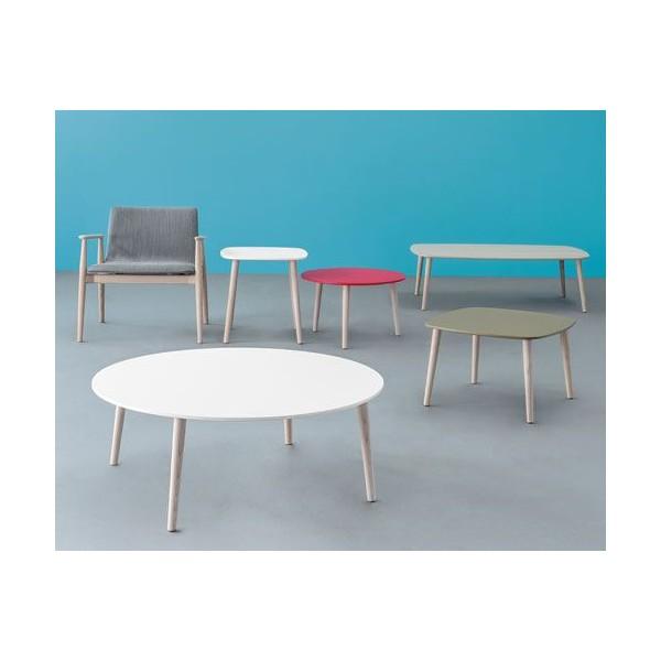 Table basse carr e pieds bois naturels for Table basse blanche et bois