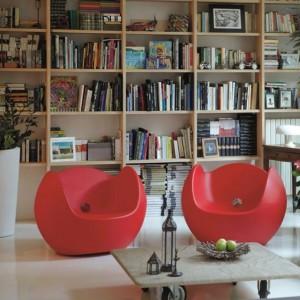 Large chauffeuse ronde avec accoudoirs design pour EXTERIEUR OU INTERIEUR  en Polyéthylène couleur