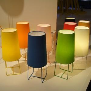 Lampe de salon DESIGN haut abat-jour chintz, pieds fins acier